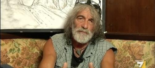 Lo scrittore e alpinista Mauro Corona