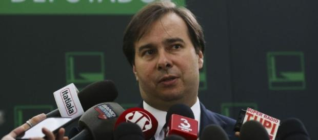 Decisão de presidente da Câmara, Rodrigo Maia, desagradou a ala oposicionista (Foto: José Cruz/ Agência Brasil)