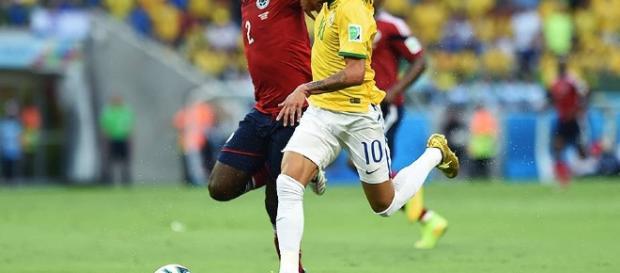 Brasil finalmente faz gols, levantando a torcida no estádio