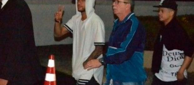 Neymar participa de noitada que não acaba bem