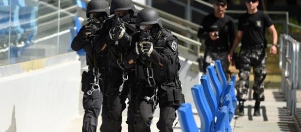 Polícia e exército atuam no Rio 2016, porém imprensa estrangeira diz não é suficiente