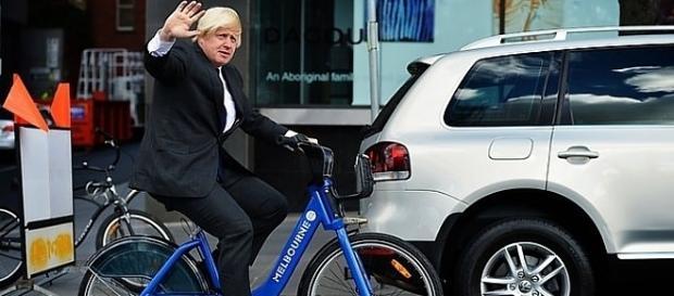 Szef brytyjskiego MSZ słynie z poczucia humoru, ale o poprawie stosunków z Rosją myśli poważnie. Fot.: flickr.com, Federation European Cyclists'