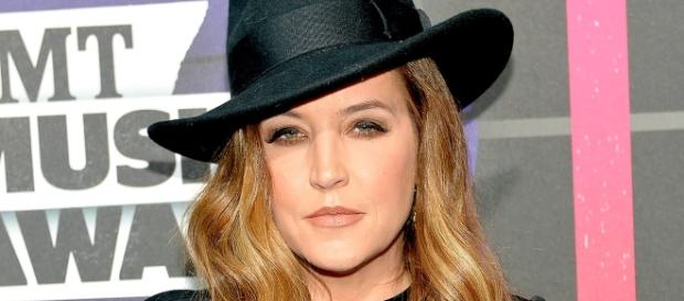 Lisa Marie Presley Checks Into Rehab for Pill Addiction - Us Weekly - usmagazine.com