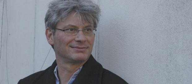Lo scrittore svizzero Roland Buti