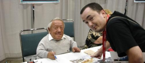 File:Star Wars Celebration IV - Me and Kenny Baker (R2-D2 ... - wikimedia.org