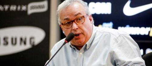 Mercado da bola: Roberto de Andrade busca novo atacante para reforçar o Corinthians