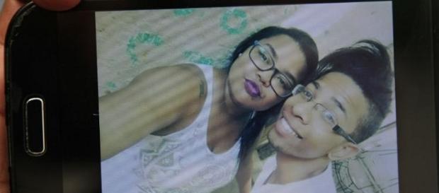 Jovens morreram ao serem atingidos por carro na porta de casa em Boa Viagem.