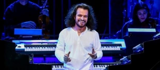 O compositor e pianista grego Yanni é dono de um talento musical único