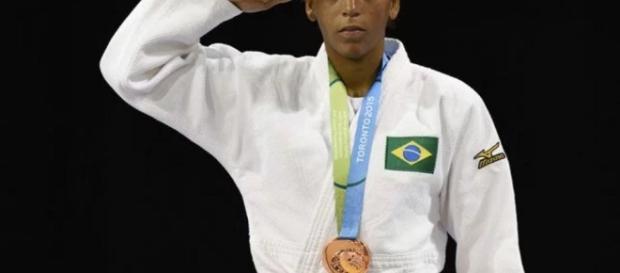 Rafaela ganha medalha no Pan de Toronto