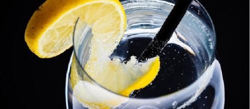 Amazing mix: lemon & water via Pixabay