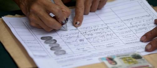 Despiden empleados públicos que firmaron para activar referéndum ... - atodomomento.com