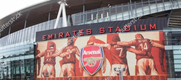http://image.shutterstock.com/z/stock-photo-arsenal-football-club-london-uk-arsenal-football-club-jul-visit-to-arsenal-football-club-306890003.jpg
