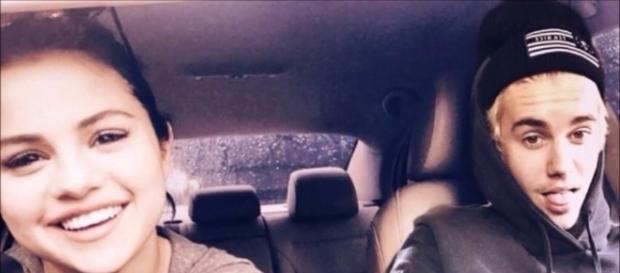 Justin Bieber traiu Selena Gomez quando namoravam