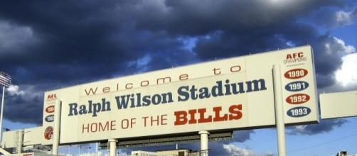 An image of the old sign that hung over the Buffalo Bills stadium. (Image via Wikipedia Commons)