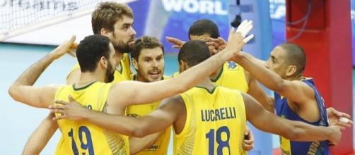 Brasil enfrnta a França pelas Olimpíadas 2016 no vôlei masculino