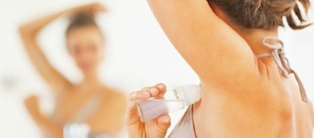 O desodorante pode ser usado para diversas outras funcionalidades que ninguém imaginava que poderia existir.