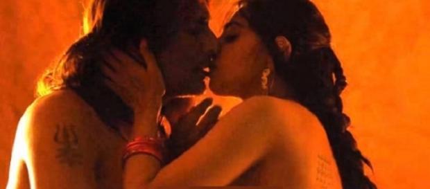Radhika Apte nude scene leaked (Youtube screen grab)