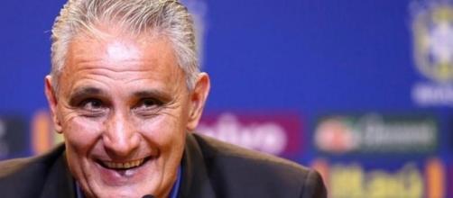 Tite vai comandar o Brasil até a próxima Copa do Mundo