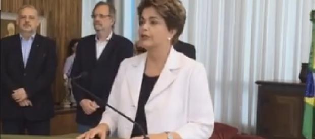 Dilma lê carta à nação brasileira