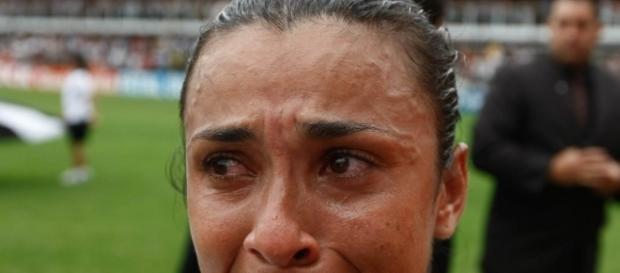 Marta chora após derrota brasileira