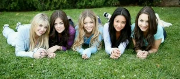 Pregnancy and death teased in the 'Pretty Little Liars' summer finale synopsis - Photo via YouTube