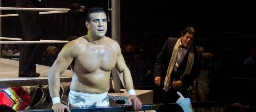 Alberto Del Rio with former manager Ricardo Rodriguez (right) in 2011. Photo c/o Wikimedia Commons.