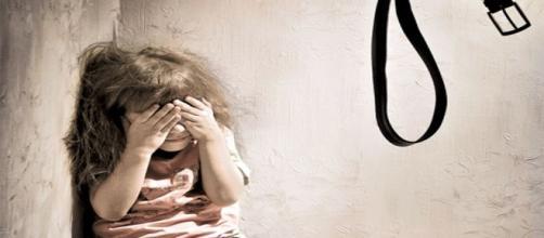 Foto ilustrativa acerca de agressão à menores.