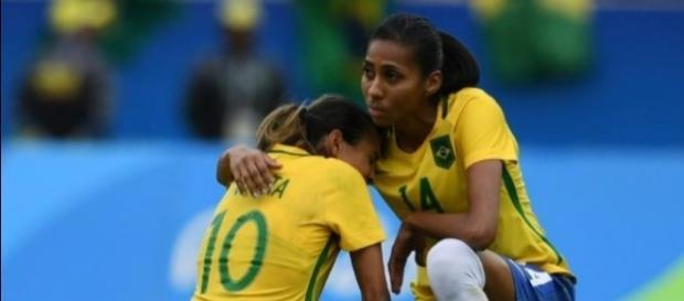 Brasileiras lamentam derrota para a Suécia nos Jogos Olímpicos de 2016
