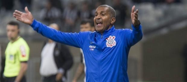 Cristóvão Borges terá mais dois jogadores para o Brasileirão.