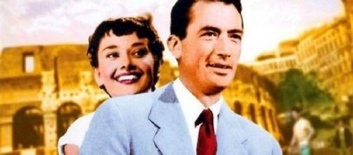 Il Colosseo alle spalle di Gregory Peck e Audry Hepburn