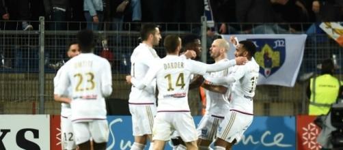 Lyon a tout bon ! - via Sports.fr