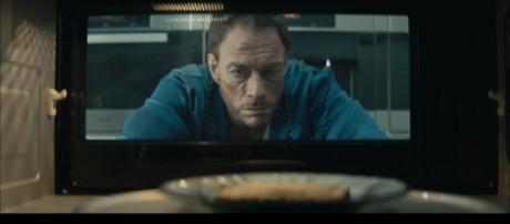 Staring at pop-tarts in an oven is one of JCVD's favorite pastime/Photo via screen capture from https://www.youtube.com/watch?v=1PGX9kOvLwc