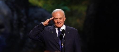Buzz Aldrin wants us to colonize Mars - businessinsider.com