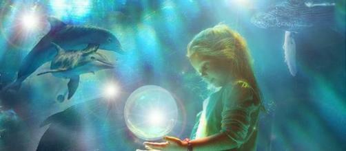 Desde la antigüedad, los delfines y el hombre han mostrado un estrecho vínculo de amor