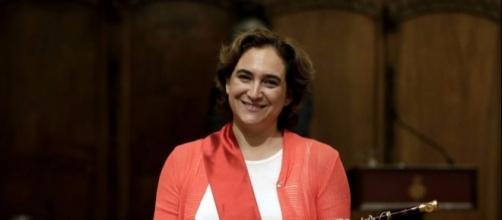 Ada Colau sólo declara dos cuentas con 2.500 y 2.989 euros y ... - vozpopuli.com