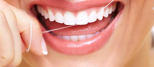 Floss Right, Smile Right - healthable.org