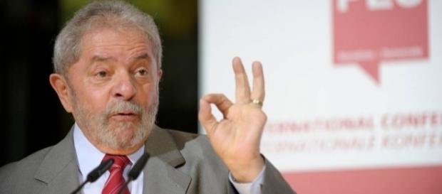 Lula discursou e fez duras críticas durante convenção