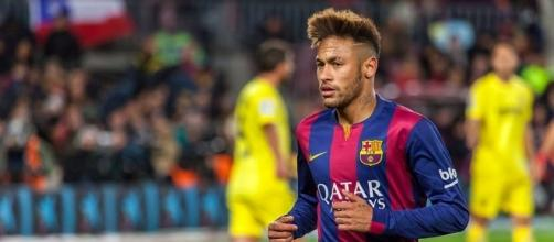 Neymar suiting up for Barcelona, 2015. He is the only holdover from Brazil's 2014 World Cup team. Photo ccc via Wikimedia Commons.