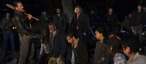 "Who Did Negan Kill? Photo: Blasting News Library AMC ""The Walking Dead"" promo shot"