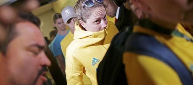 Austrália tem atletas detidos após crime