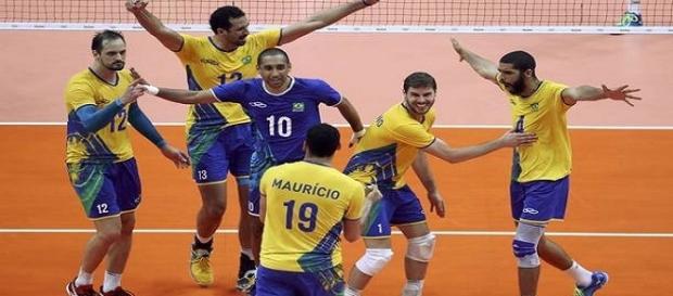 Brasil bate Rússia e está em sua quarta final olímpica consecutiva