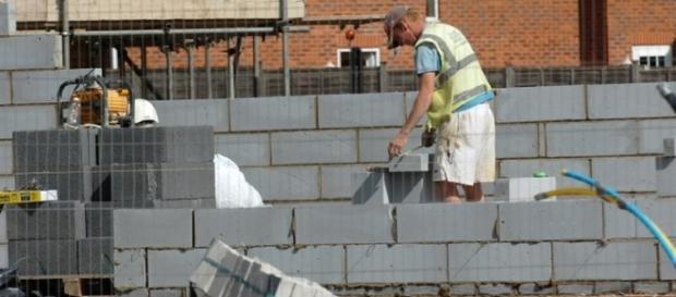 Muncitor pe un șantier din Marea Britanie