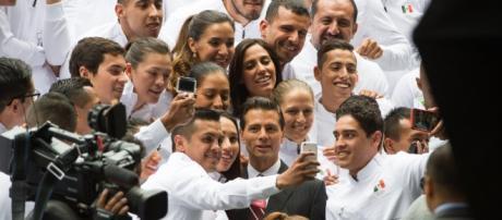 Enrique Peña Nieto encabeza abanderamiento de la delegación ... - as.com