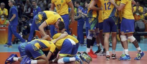 Brasil x Itália: assista à final do vôlei, ao vivo, na TV e na internet