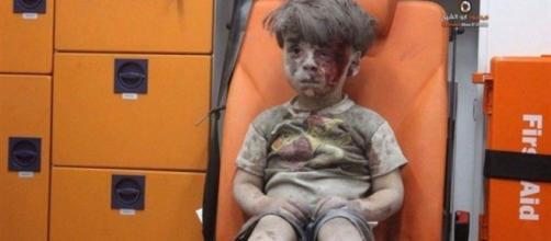 El niño Omran Daqneesh, el rostro de la guerra en Siria - tribunasalamanca.com