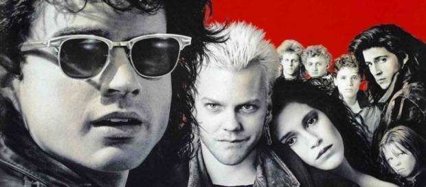 Elenco do filme 'The Lost Boys', de 1987 (Foto: Warner Bross/Divulgação)
