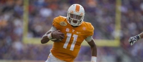 Tennessee quarterback Josh Dobbs, better than numbers indicate - Photo complements of todaysu.com