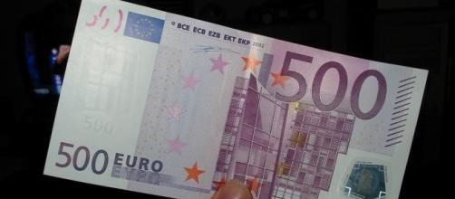 Ultime notizie scuola, lunedì 22 agosto 2016: bonus docenti 500 euro