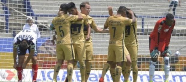 Triplete de Britos. Pumas 5-3 Monterrey.