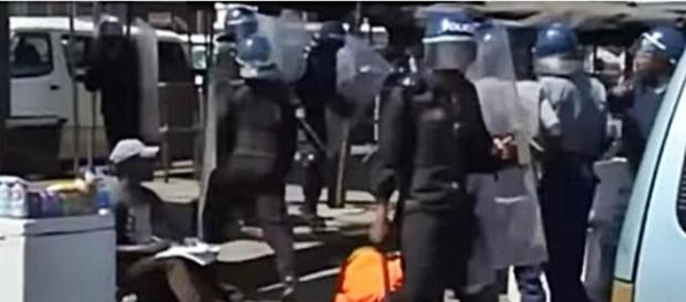 Zimbabwe excessive force by Police /Photo screencap via ODN Youtube.com